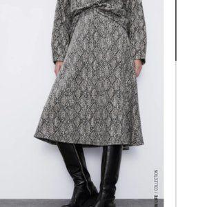 ZARA Soft-touch Snake Print Midi Skirt, Size M